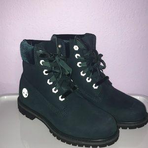 Timberland Premium Velvet Dark Green Nubuck Boots